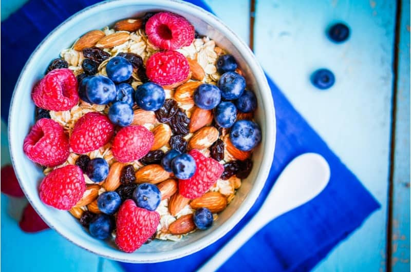 Does Eating Oatmeal Help You Lose Weight? The Best Oatmeal for Weight Loss!